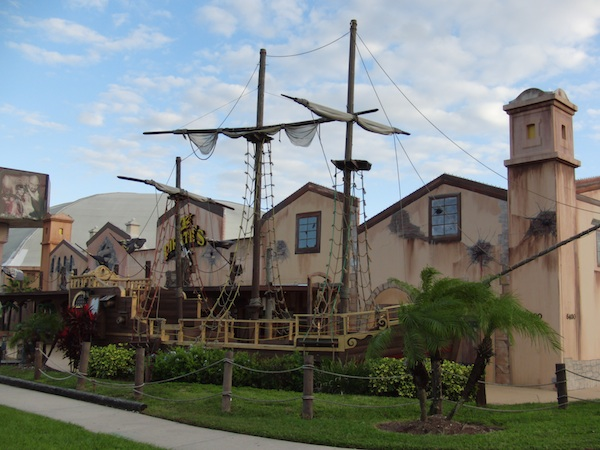 REVIEW – Pirates Dinner Adventure, Orlando, Florida