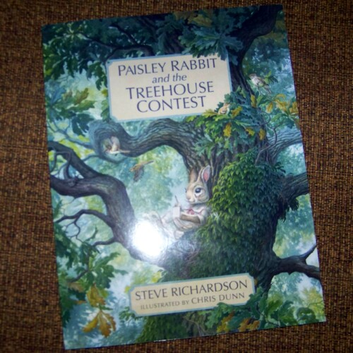 Book Review *  Paisley Rabbit and the Treehouse Contest by Steve Richardson