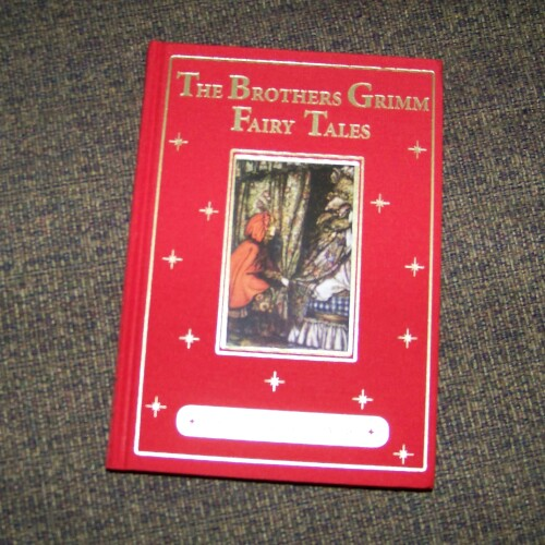 The Brothers Grimm Fairy Tales, An Illustrated Classic * Book Review
